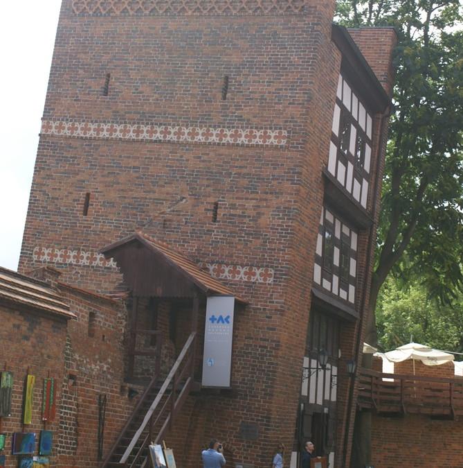 Syndens monument – Det skæve tårn i Torun